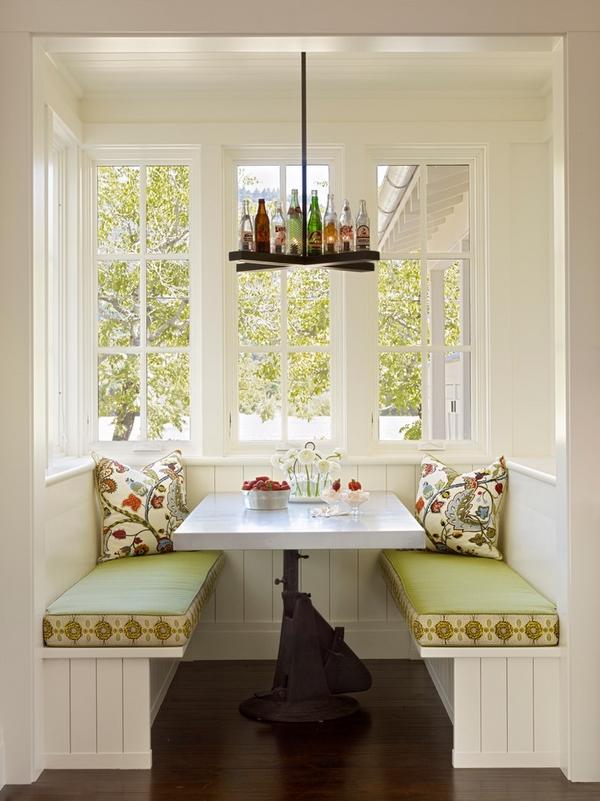кухонный уголок белый стол зеленые сиденья